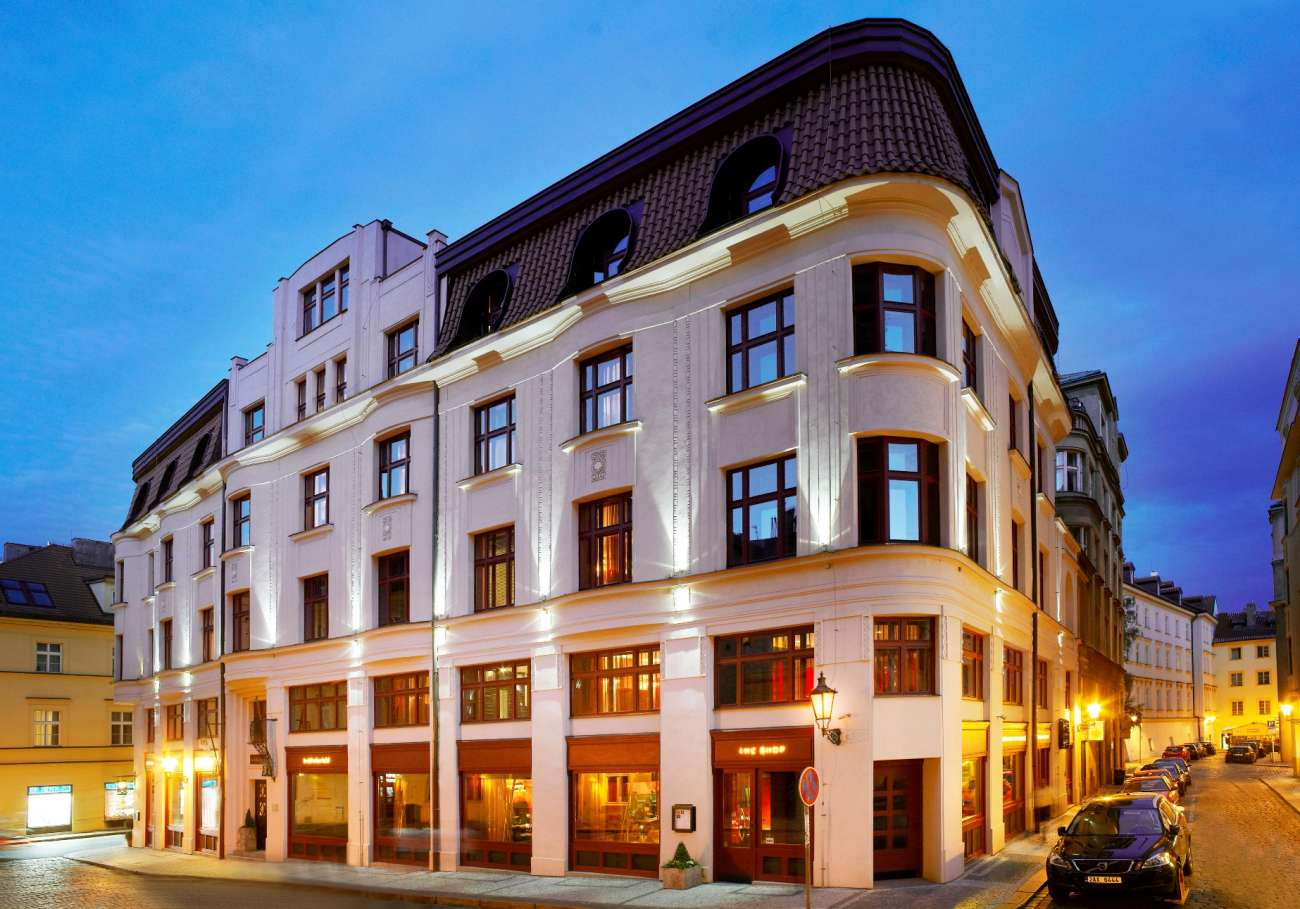 Boutique hotel reservation boutique hotels dlw hotels for Luxury hotels prague